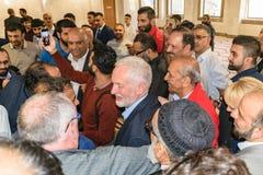 Jeremy Corbyn-het bezoeken Moskee Stock Foto