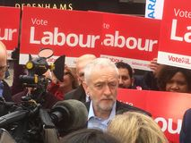 Jeremy Corbyn Labour, i Bedford 3rd May, 2017 Fotografering för Bildbyråer