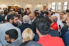 Jeremy Corbyn odwiedza meczet fotografia stock