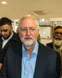Jeremy Corbyn odwiedza meczet obrazy stock