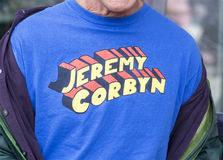 Jeremy Corbyn-Supermannt-shirt Slogan stockfotografie