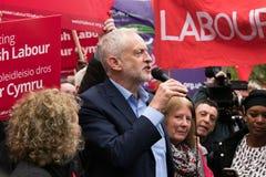 Jeremy Corbyn visita a terra comum de Whitchurch, Cardiff, Gales do Sul, Reino Unido imagens de stock