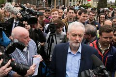 Jeremy Corbyn visite le terrain communal de Whitchurch, Cardiff, sud du pays de Galles, R-U images stock