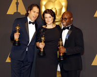 Jeremy Kleiner, Adele Romanski och Barry Jenkins royaltyfri foto