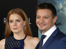 Jeremy Renner and Amy Adams Stock Photography