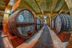 JEREVAN, ΑΡΜΕΝΙΑ - 5 ΑΥΓΟΎΣΤΟΥ 2017: Εργοστάσιο β κονιάκ Noy (Ararat) Στοκ Εικόνα