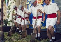 Jerez, España - 10 de septiembre de 2013: Uvas tradicionales el pisar fuerte Imagen de archivo libre de regalías