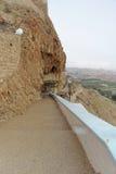 Jericho, Israël - 16 februari 2017 Mening van de Berg van Verleiding en het Klooster van Verleiding in Jericho Royalty-vrije Stock Afbeelding