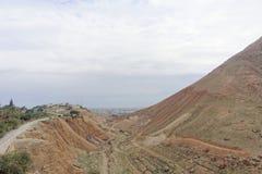 Jericho, Israel - 16. Februar 2017 Ansicht vom Berg der Versuchung in Jericho Stockfoto