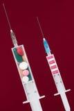 Jeringuilla con la medicina Foto de archivo