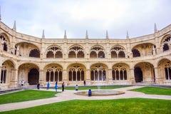 Jeronimos修道院修道院的内在庭院在里斯本 库存照片