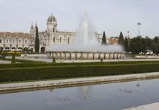 Jeronimos修道院外在庭院在里斯本 免版税图库摄影