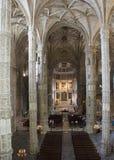 Jeronimos修道院的教会内部 免版税库存图片