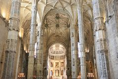 Jeronimos大教堂内部在里斯本,葡萄牙 免版税图库摄影