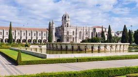 Jeronimos kloster i Lissabon Jeronimos - den mest storstilade måndagen Arkivbilder