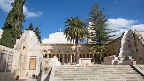 Jerozolima - gothic korytarz atrium w kościół Pater Noster na górze oliwki Zdjęcia Stock