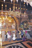 JEROZOLIMA, IZRAEL Chrześcijańscy pielgrzymi przy kościół Święty Sepulchre - 26 2017 FEB - Zdjęcia Royalty Free