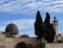 Jerozolimski Aksa meczetu dwa cyprys 2012 Zdjęcia Royalty Free