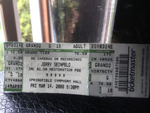 Jerry Seinfeld en el boleto de Pasillo de la sinfonía de Spriongfield en 2008 fotos de archivo