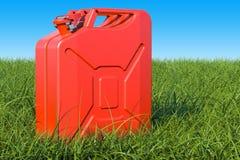 Jerrycan w zielonej trawie przeciw niebieskiemu niebu, 3D rendering Royalty Ilustracja