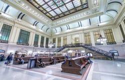 JERSEY CITY - 20 DE OCTUBRE DE 2015: Interior del statio del tren de Hoboken Imagen de archivo libre de regalías