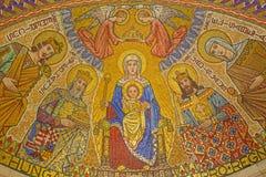 Jerusalén - el mosaico de Madonna en la capilla húngara (una iglesia más baja) en la abadía de Dormition Foto de archivo libre de regalías