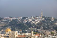 Jerusalén, Israel 8 de diciembre de 2018: Opinión superior del tejado panorámico espectacular de la torre de la ciudad vieja de J imagen de archivo