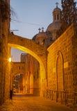 Jerusalem - über Dolororosa an der Dämmerung mit der Geißelungskapelle Lizenzfreies Stockfoto