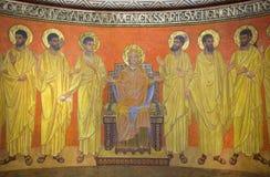 Jerusalem - av jungfruliga Mary bland apostlarna i kryptaabsid av den Dormition abbotskloster av den okända konstnären av 20 cent Arkivbild