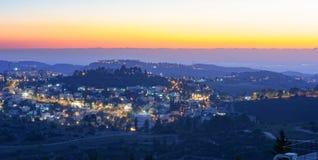 Jerusalem-Berge an der Sonnenuntergangblaustunde Stockfoto