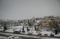 Jerusalem i vinter under snowfall Arkivfoton