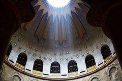 Jerusalem, Israel August 25, 2018: Jesus Christ Empty tomb and Dome rotunda over it in Jerusalem in the Holy Sepulcher Church. The. Jerusalem, Israel - August 25 royalty free stock images