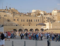 JERUSALEM, ISRAEL. Crowds of pilgrims and tou tourists on the square in front of the Wailing Wall Royalty Free Stock Images