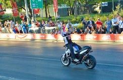 JERUSALEM/ISRAEL - 13 JUNI 2013: Chris Pfeiffer berömd motorcykeltävlingsförare som är berömd för hans jippon. Royaltyfria Bilder