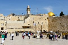 People visiting the Western Wall and Dome of the Rockin in the O Royalty Free Stock Photography