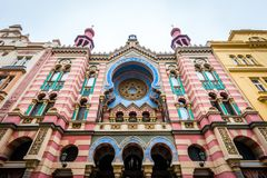 Jerusalem jubileumsynagoga i Prague, Tjeckien Arkivbilder
