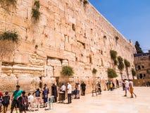 JERUSALEM - Juli 15: Jewish prayers and pilgrims beside Western Royalty Free Stock Photography