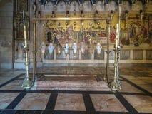 JERUSALEM - Juli 15: Sten av smörja av Jesus i Holen Arkivbilder