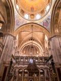 JERUSALEM - Juli 13: Valvet av ett av kapellen i Basien Fotografering för Bildbyråer