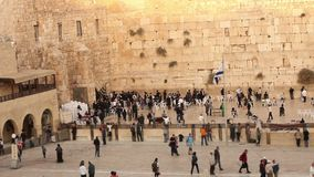 Jerusalem, Western Wall, Timelapse, people in the area, a lot of people, people pray at the stone wall, wailing wall stock video