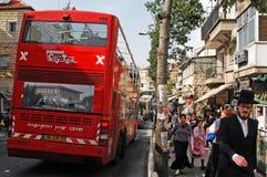 Jeruslaem turnerar den dubbla däckaren bussen Arkivfoton