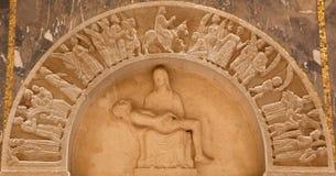 Jeruzalem - pieta en de Ingang van Jesus de hulp aan van Jeruzalem (Palmzondag) in Evangelische Lutheran Kerk van Beklimming stock fotografie