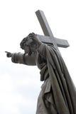Jesús con la cruz Imágenes de archivo libres de regalías