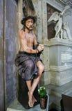 Jesús en el Viernes Santo - estatua en la catedral de Mechelen imagenes de archivo