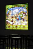 Jesús en la ventana del ornamental del ` s de la iglesia Foto de archivo libre de regalías