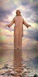 Jesús que recorre en el agua Fotografía de archivo libre de regalías