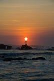 Jesús que sostiene el sol Imagen de archivo libre de regalías