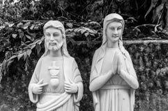 Jesús y Mary Statues en las montañas de mármol, Da Nang, Vietnam imagenes de archivo