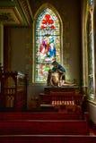 Jesús y Mary Under un vitral Fotos de archivo libres de regalías