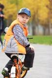 jesień azjatykcia chłopiec obraz stock